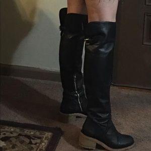 Boots coach size 7